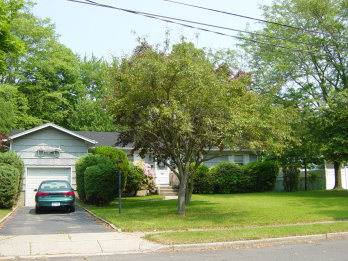 14 Ava Court  Owner/Broker, North Babylon NY